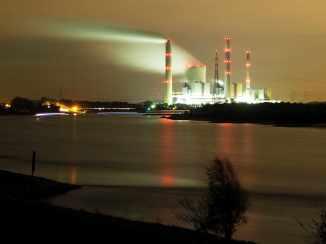 Kraftwerk Voerde bei Nacht