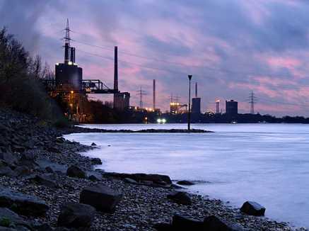 HKM Hüttenwerke Krupp-Mannesmann am Rhein bei Duisburg