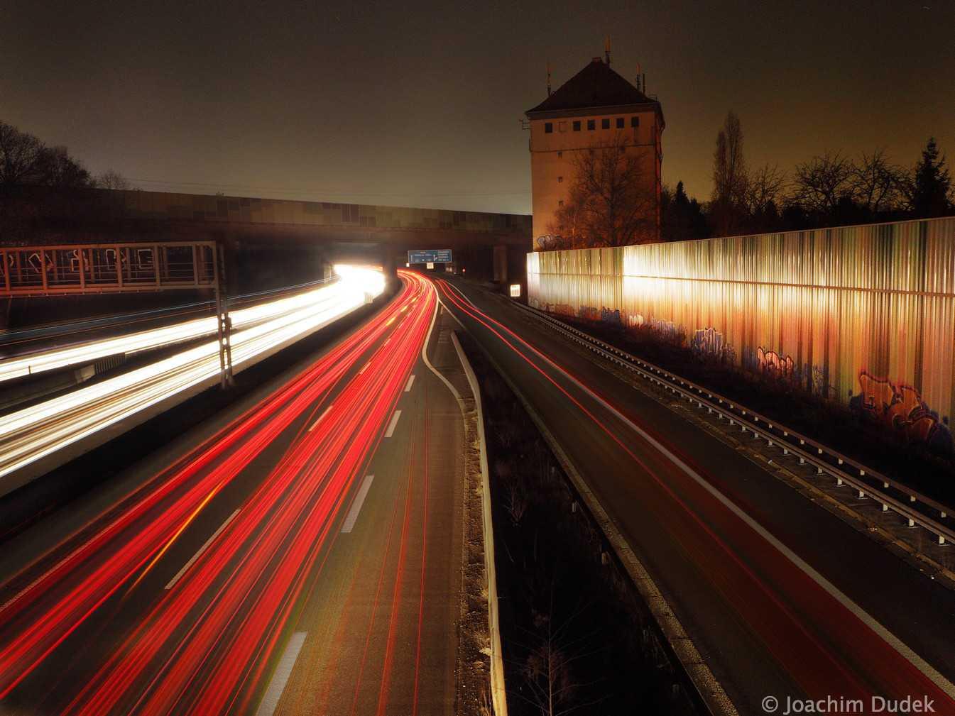 Autobahn A 40 mit Hochbunker