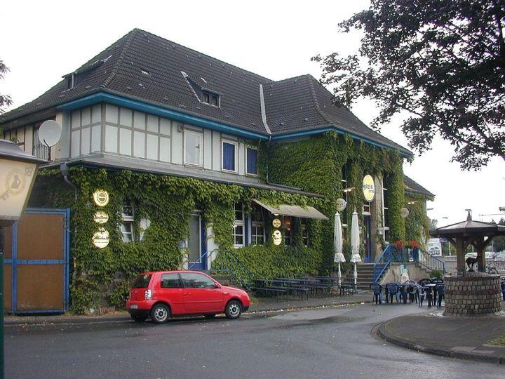 1024px-Duisburg-Großenbaum02