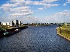 2017 Duisburg - Hafenkanal
