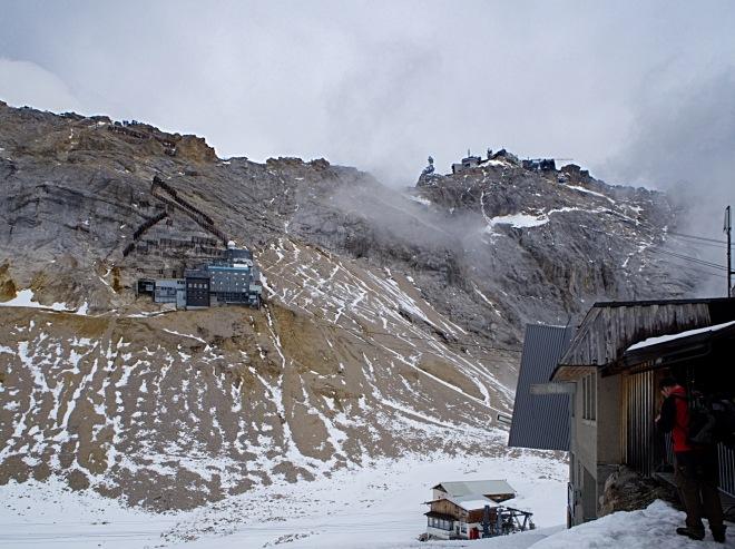 Zugspitzplatt mit Blick auf den Gipfel