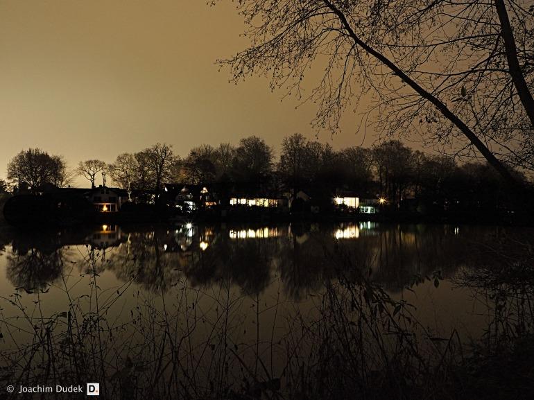Ruhig liegt der See