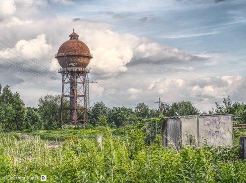 Wasserturm in Kugelform