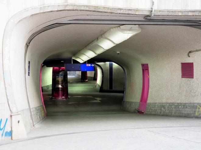 U-Bahn Rheinischer Platz
