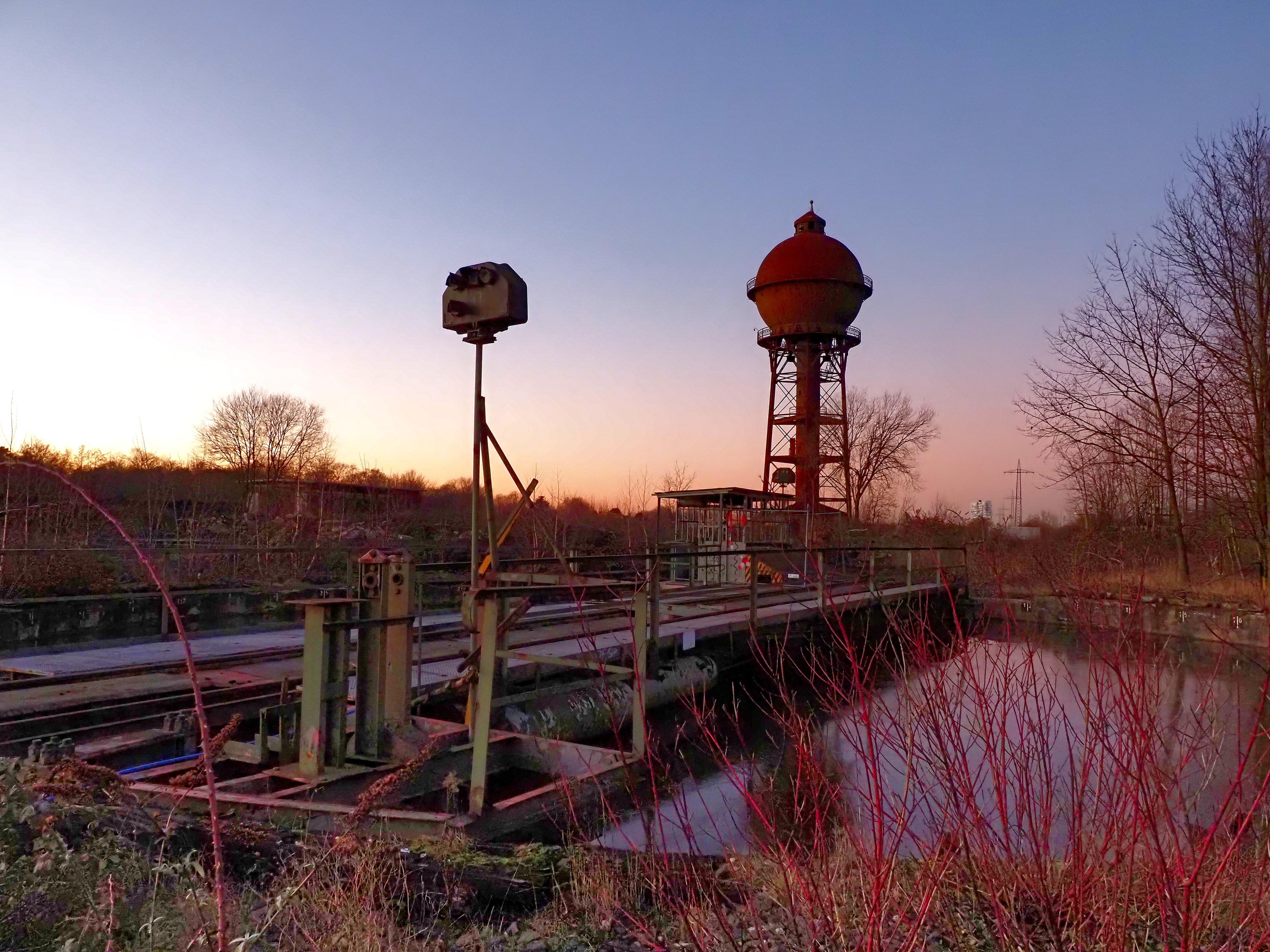 Kugelwasserturm mit Drehbühne
